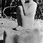 Музыкант (речной песчаник, 220-150-100 см)