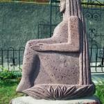 Сфинкс, вид сбоку (базальт, 165-120-80 см, 1996-97 гг.)