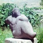 Скульптура Борец (речной песчаник)